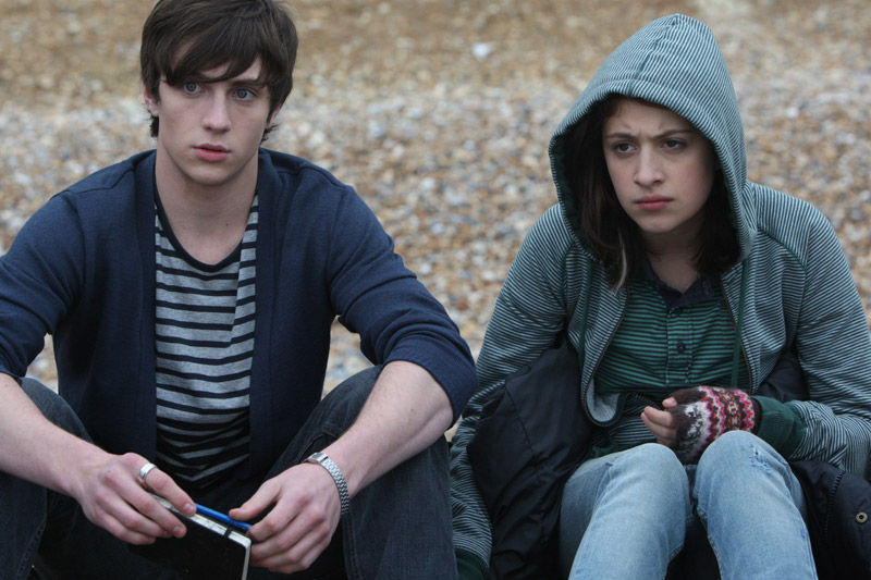 tittle - less: Angus , Thongs & Perfect Snogging